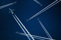 samoloty na niebie