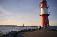 latarnia nad morzem bałtyckim